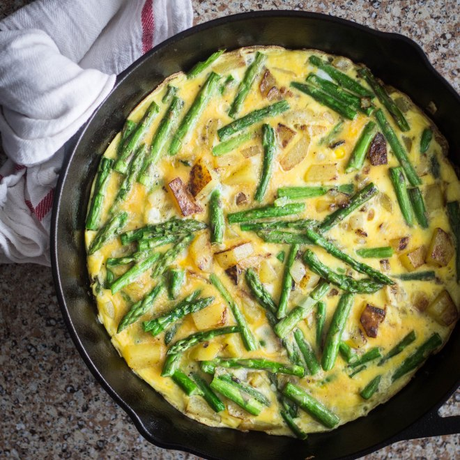 A frittata full of spring flavors. Easy and healthy for breakfast, lunch or dinner. | Becausefoodislife.com
